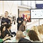 anneloes van gaalen presenteert haar boek 'indiebrands', brands that inspire & tell a story.